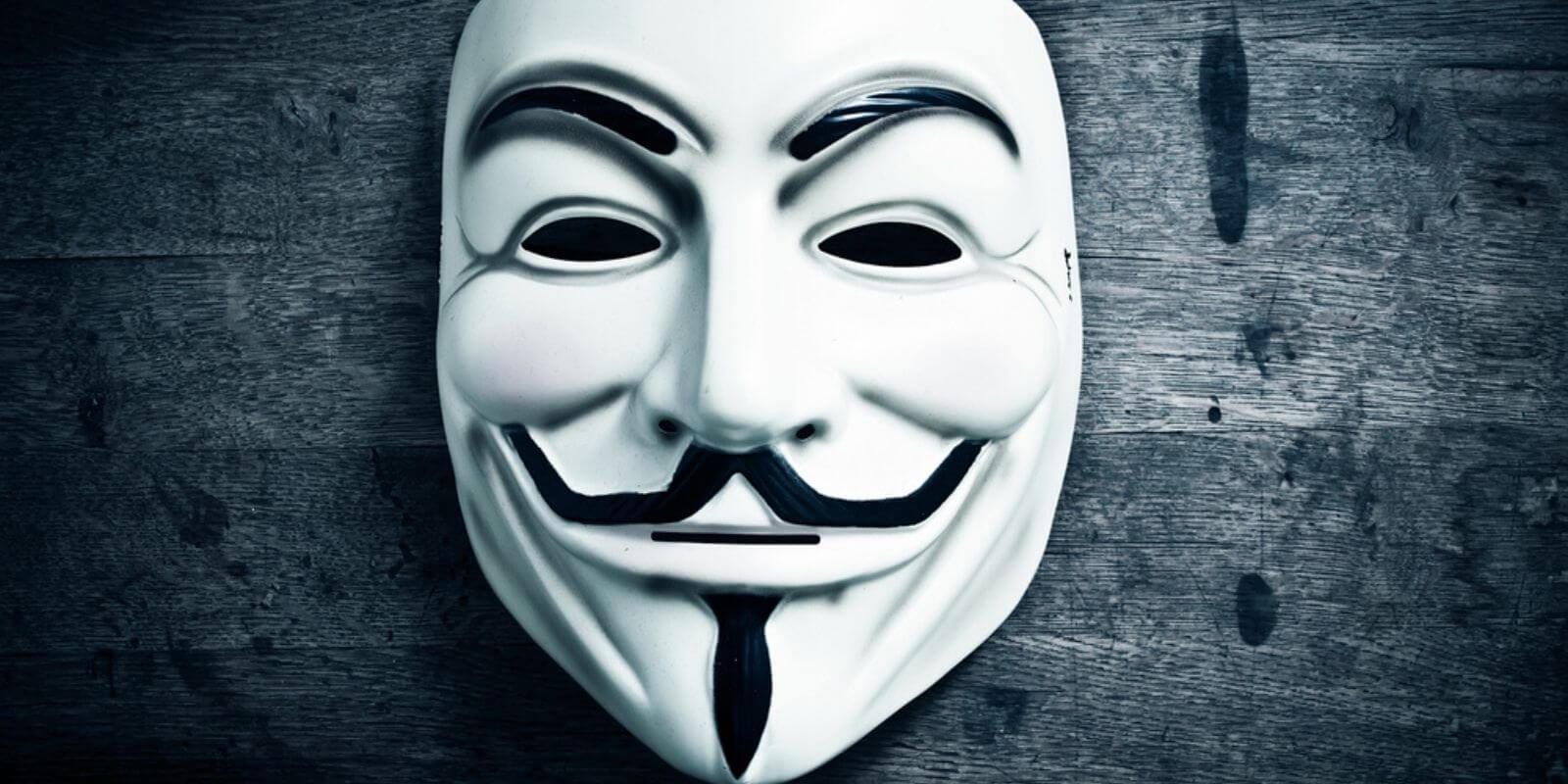 Un fonds inconnu lié à Anonymous donne 75 millions de dollars en BTC pour financer des startups