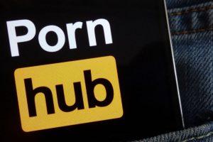 PayPal abandonne Pornhub… et fait grimper le Verge