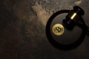 Analyse de la décision du tribunal de Nanterre sur la nature juridique du Bitcoin et du prêt en crypto-actifs