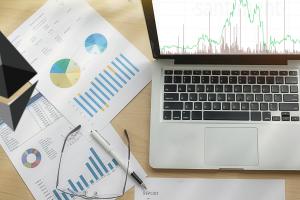 Introduction à l'analyse de données pour estimer la valeur d'une crypto-monnaie