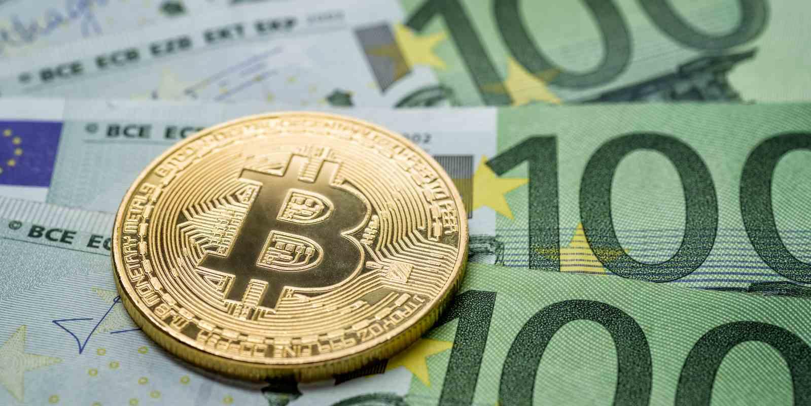 Sondage: 47% des particuliers font plus confiance au Bitcoin qu'aux banques