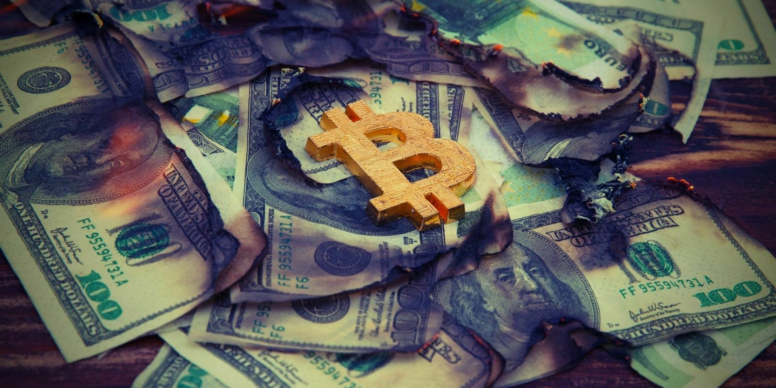 Bitcoin ou MNBC : qui menace le plus les monnaies traditionnelles ?