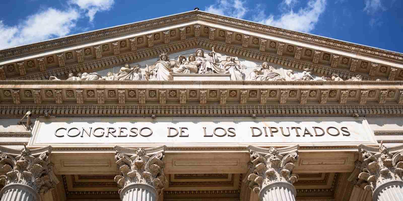Espagne: 350 députés du Congrès reçoivent du Bitcoin (BTC)